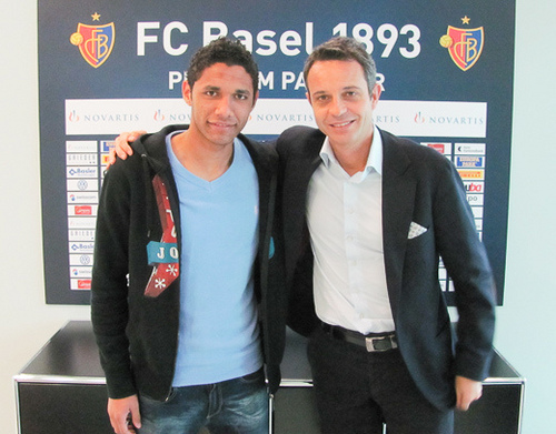 Mohamed El-Nenny signs