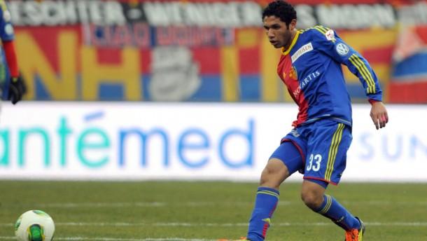 FC Basel - El-Nenny arrives