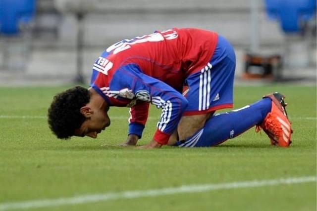 Mohamed Salah prayer celebration