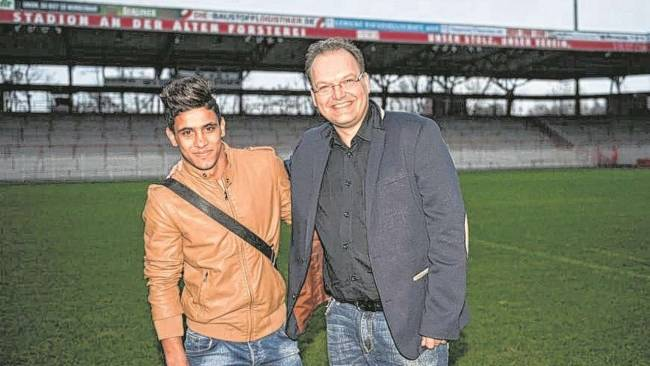 Abdallah Gomaa arrives for Union Berlin trial
