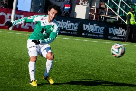Omar El-Hussieny scores