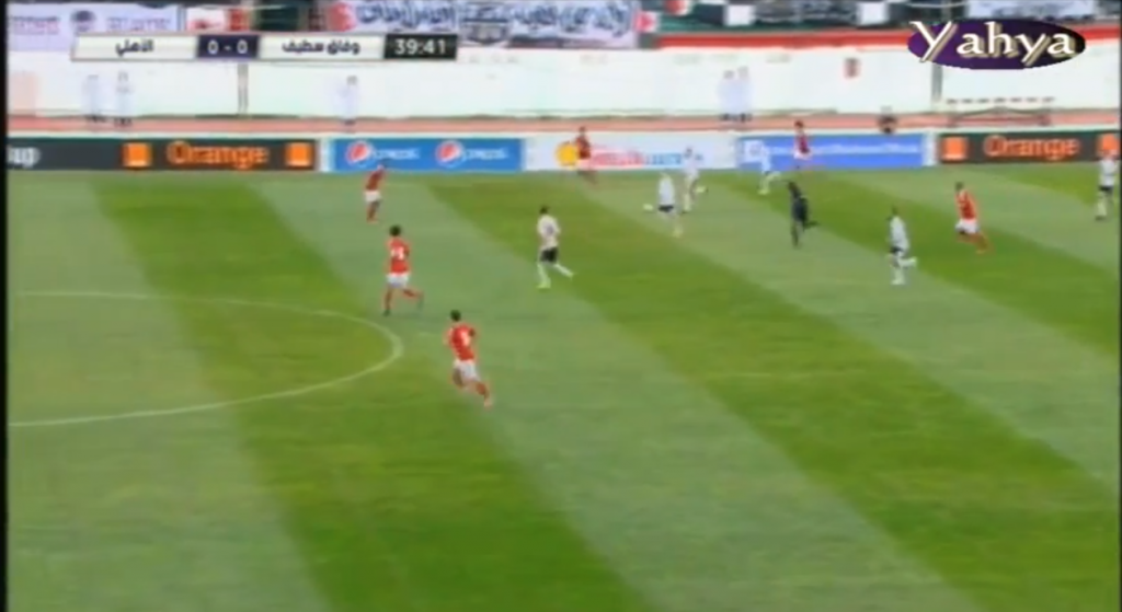 Sétif player is looking to building an attack, Ghaly senses danger.