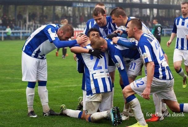 Mohamed Essam celebrating his goal