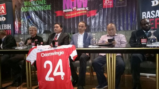 Peter Odemwingie joins Indonesian side Madura United