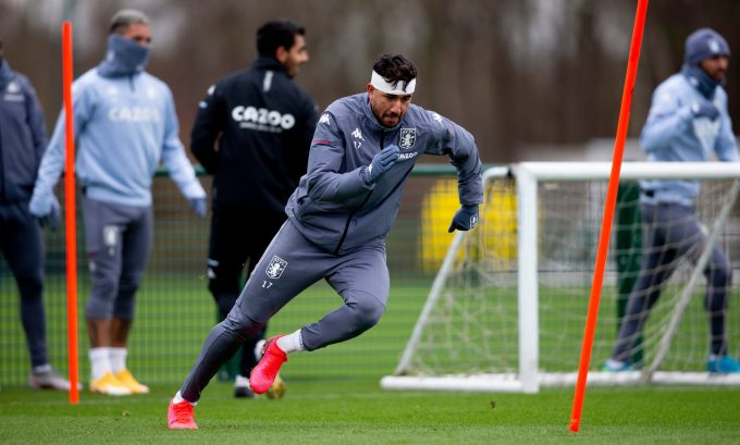 Aston Villa's Trezeguet tests positive for COVID-19